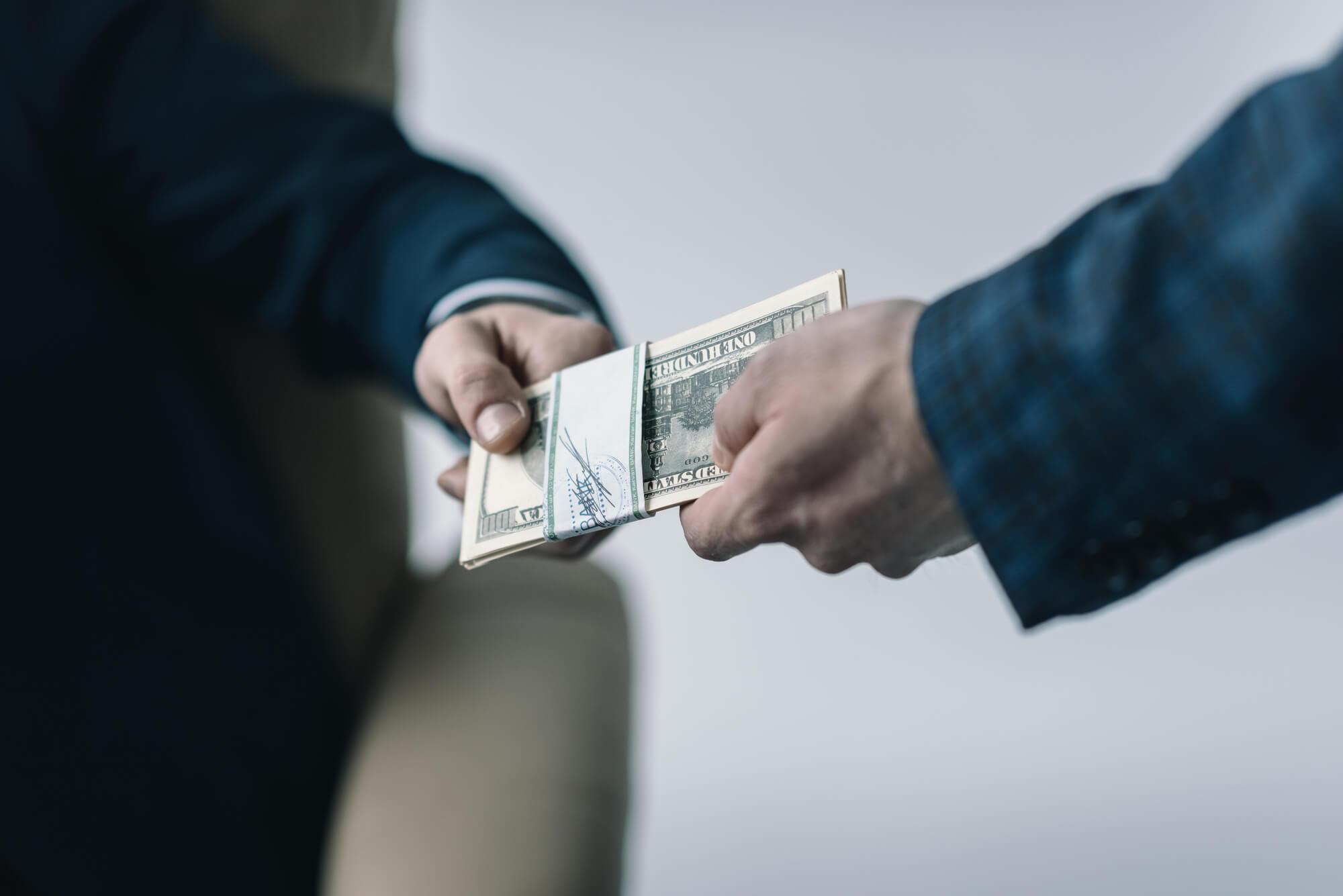 Денежные выплаты при увольнении по сокращению штатов